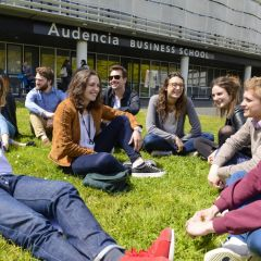 Audencia étend le dispositif Toutes mes aides à l'ensemble de ses étudiants