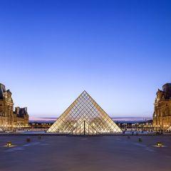 Une visite inédite au Louvre