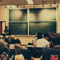 Quelle orientation choisir pour effectuer une classe prépa Economique & Commerciale ?